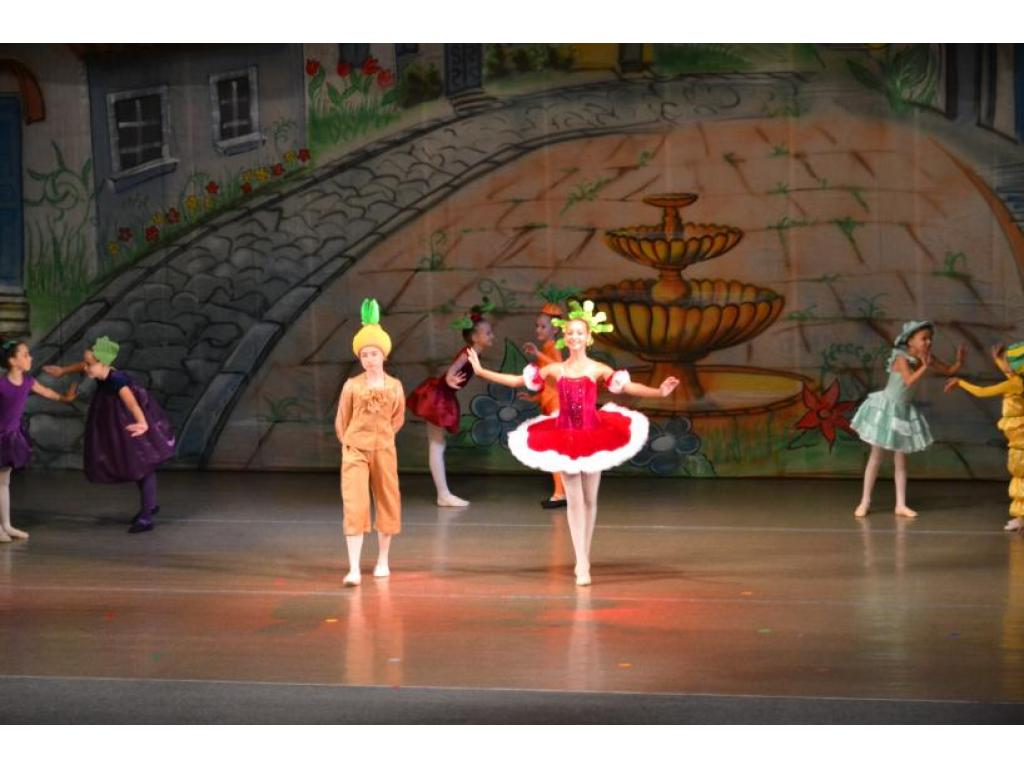 Просмотр балета Карена Хачатуряна «Чиполлино»